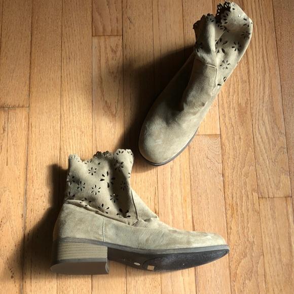 Unisa Shoes Booties 10 New Ruffles Suede New Poshmark
